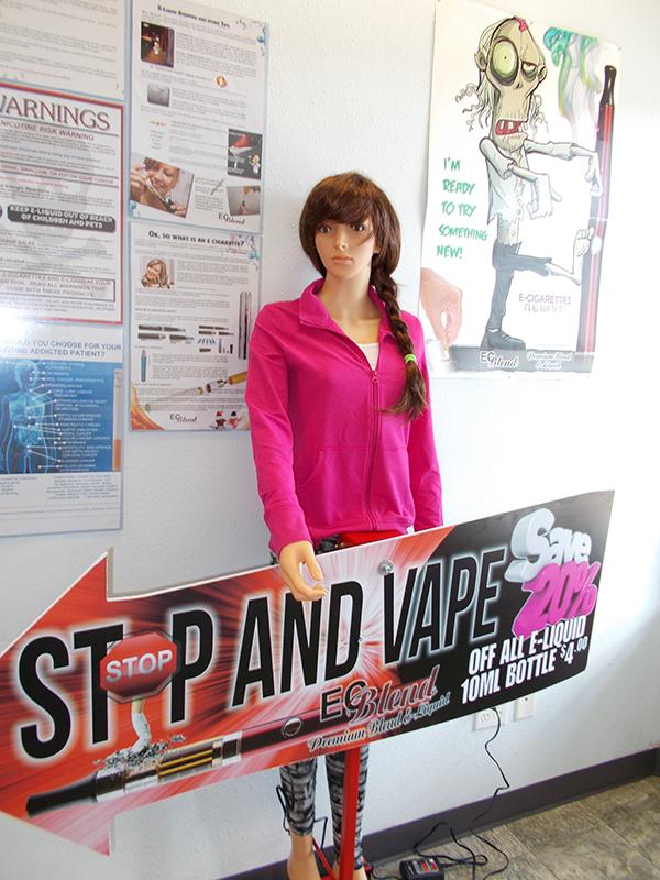 ECBlend Bianca Sign Waving Robot